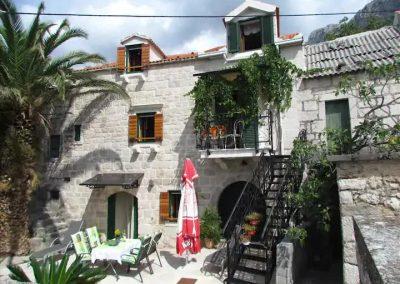 Old stone house Pivčević